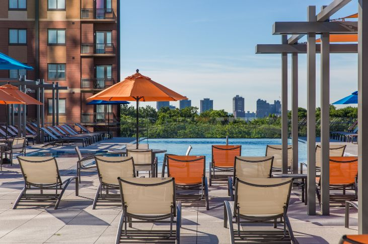 The Modern : Rooftop Pool