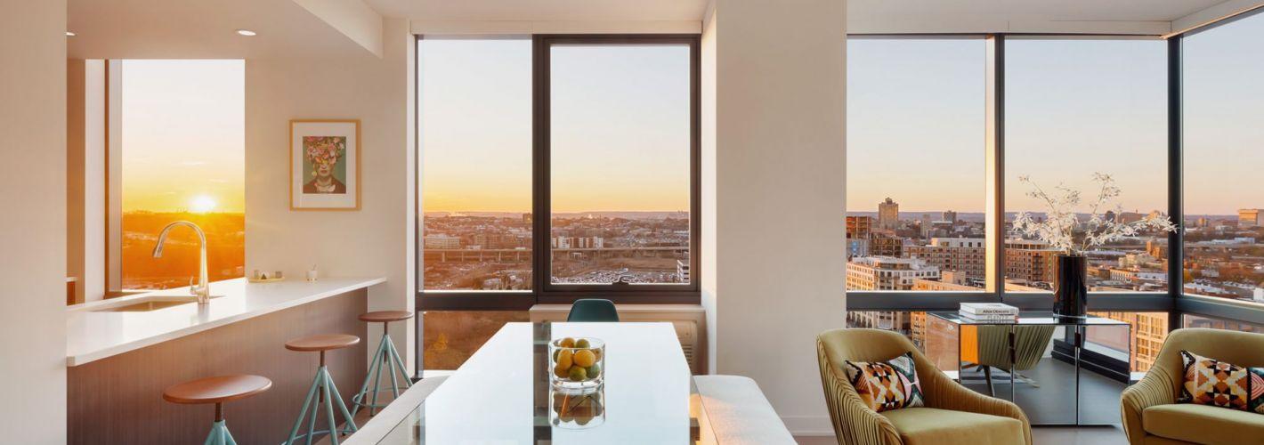 Vantage Collection : Living Room & Kitchen