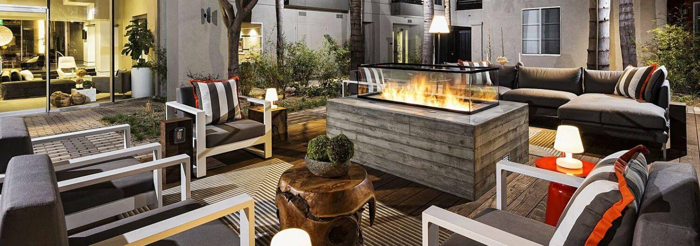 AO Santa Monica : Fire Pit