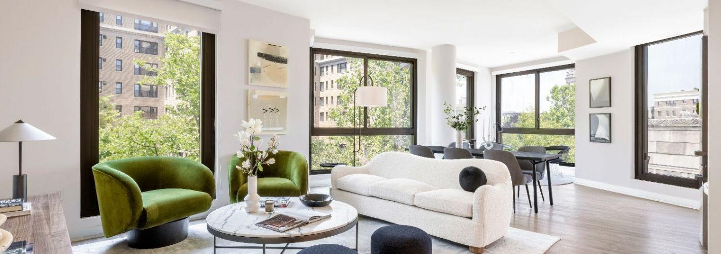 The Silva : Living Room