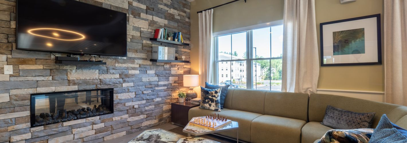 The Residences at Executive Park : Clubroom Lounge Area