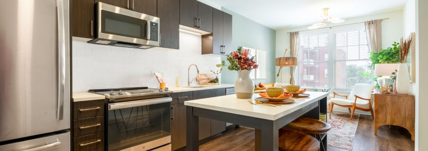 The Vale : Kitchen Living
