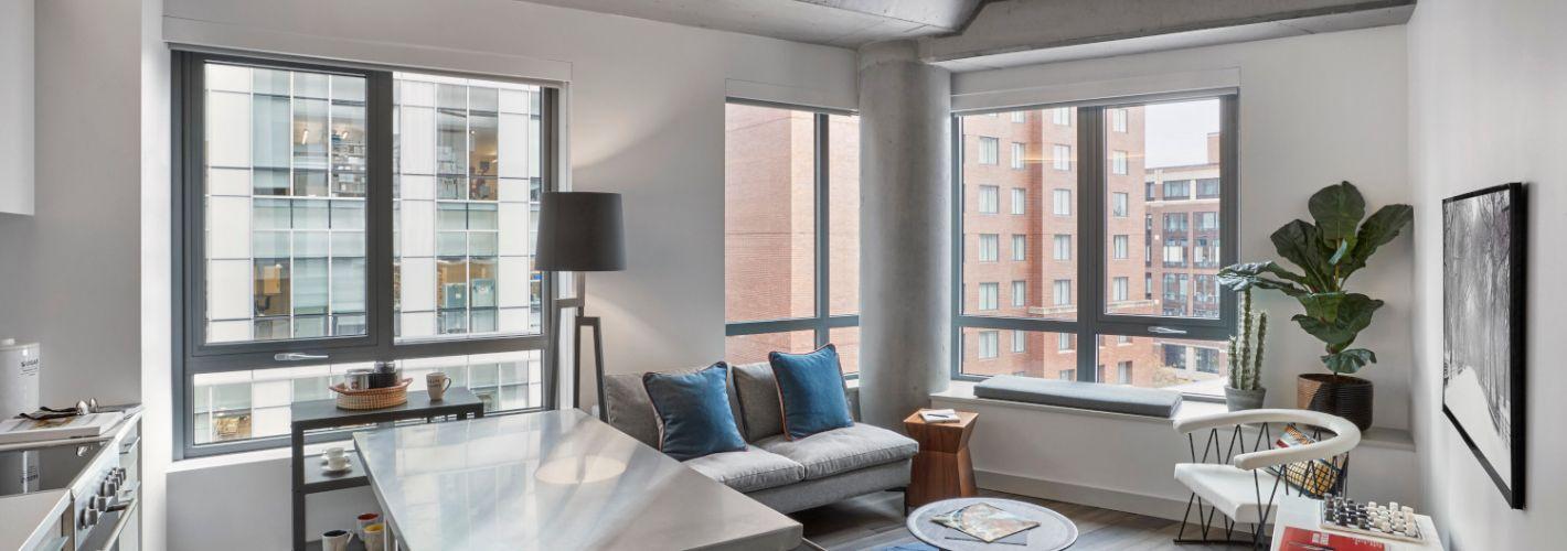 Proto Kendall Square : Living room